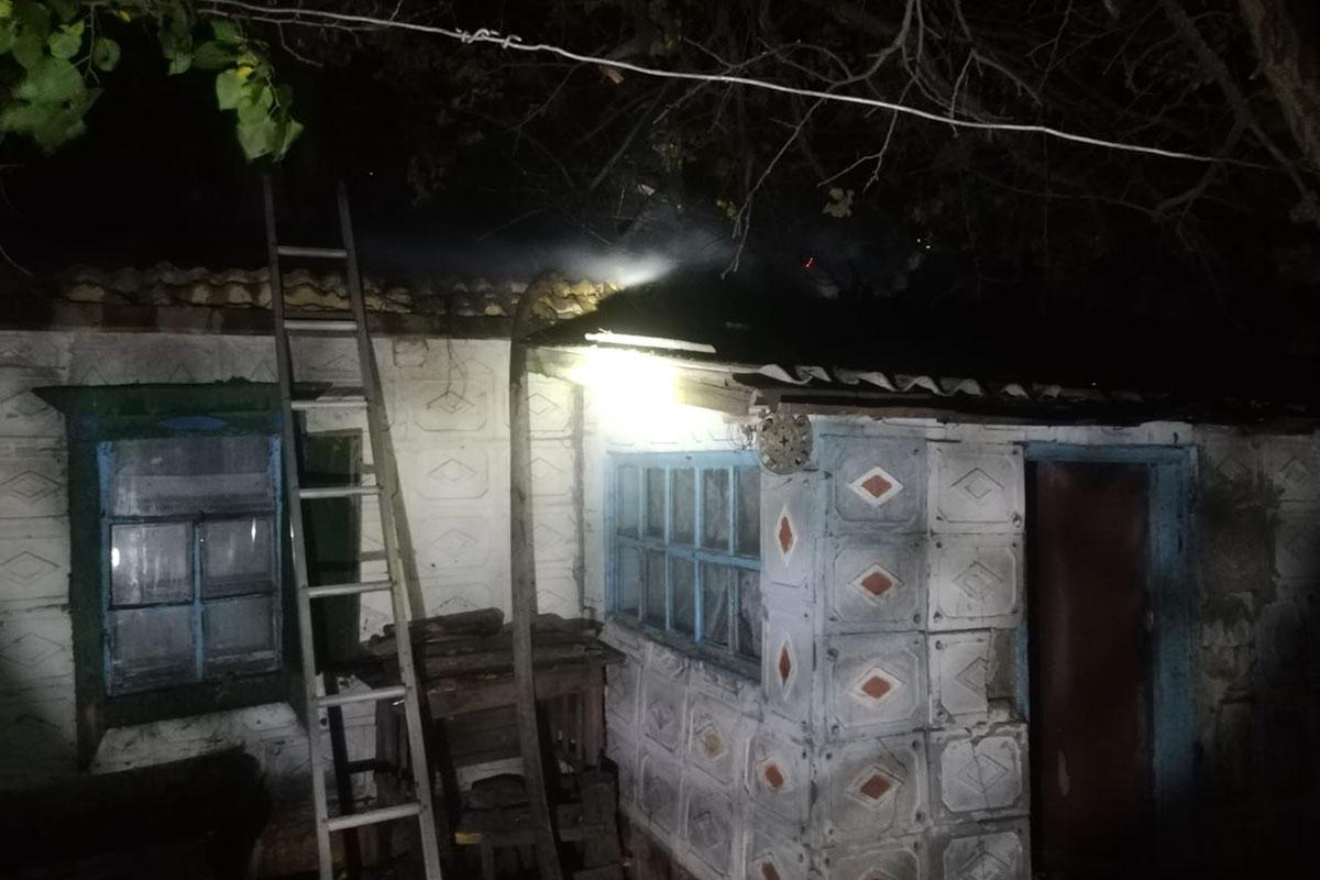 В с. Морозовское в результате пожара жилой дом остался без крыши