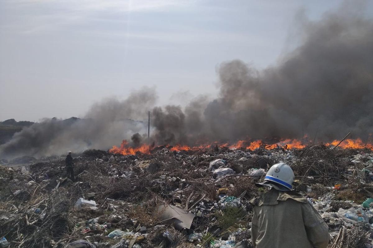 Павлоград задыхается - снова горит свалка