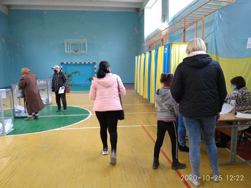 В Павлограде рекордно низкая явка избирателей на участки
