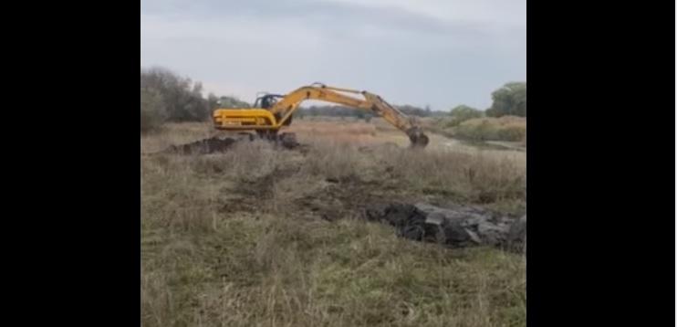В  селе Богуслав надумали, перед выборами,  почистить умирающую Самару