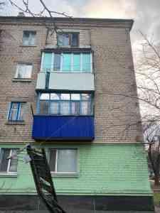 В Першотравенске начинают падать балконы