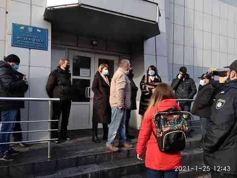 Протестующие потребовали от местной власти Терновки предоставить им план бесперебойной подачи в город днепровской воды
