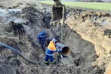 Смещение горных пород ломает стальные трубы водовода, как спички, - Терновка, не спи