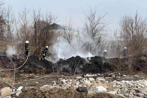 Потеплело: в Павлограде горит сухая трава