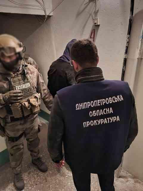 Бандиты из Першотравенска напали в Днепре на предпринимателя, но сейф унести не смогли