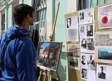 Павлоград поминает  солдат  Второй мировой войны, вглядываясь в музейные экспонаты