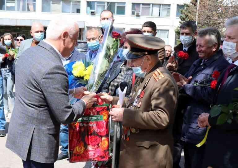 В Павлограде, на трубном заводе, открыт обелиск героям Второй мировой войны