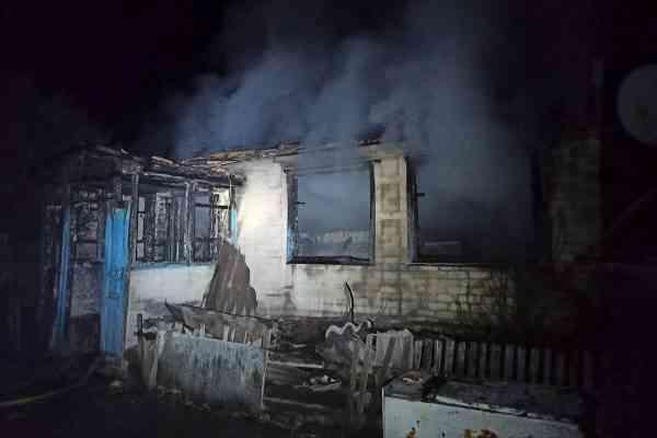 В Петропавловском районе пожар оставил жильцов без крыши над головой