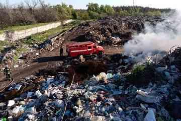 Павлоградская свалка горит без оглядки на праздники