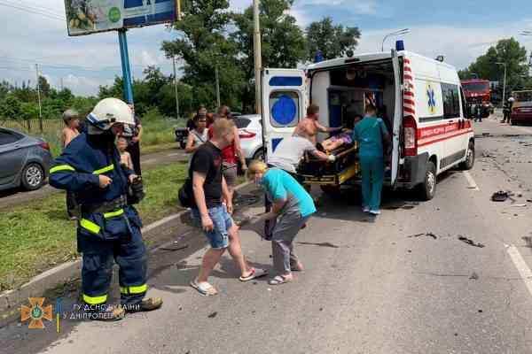 Стали известны подробности столкновения двух авто на Днепровской в Павлограде - есть пострадавшие