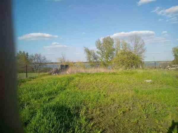 В с. Богуслав продается дом с шикарным видом на водоем и лес