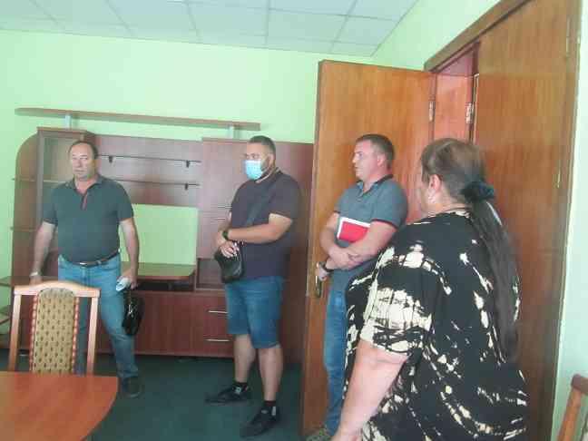 В ваших действиях прослеживается коррупционная составляющая,- упрекнули  и.о. начальника  Управления госгеокадастра в Павлоградском районе