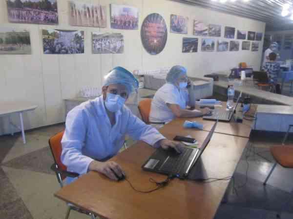 Павлоградцы выстраиваются в очередь, чтобы привиться американской вакциной Moderna