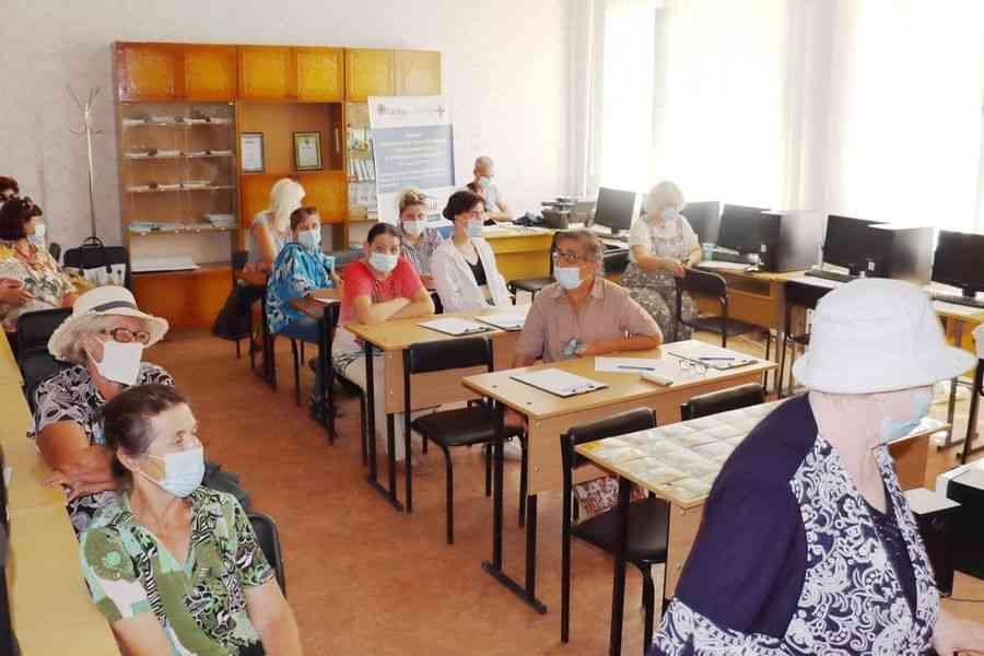 Иностранные спонсоры устали решать проблемы украинских переселенцев, а Павлоград устать не имеет права