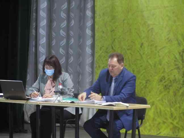 Своей воды в Терновке нет, - в результате подработки нарушены все подземные водные слои, - заверил городской голова Виталий Тарелкин