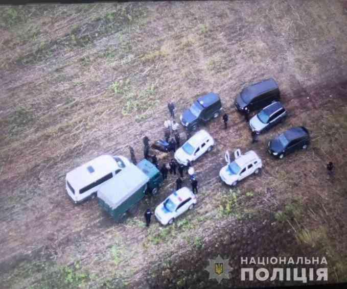 Бригада бойцов у села Николаевки пыталась у фермеров отбить урожай подсолнечника